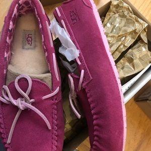 NEW UGG Ryder Rose Shoes Kids Size 5